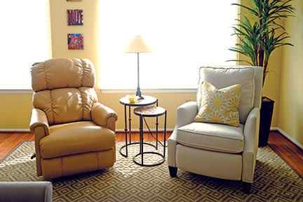 her-decor-chairs