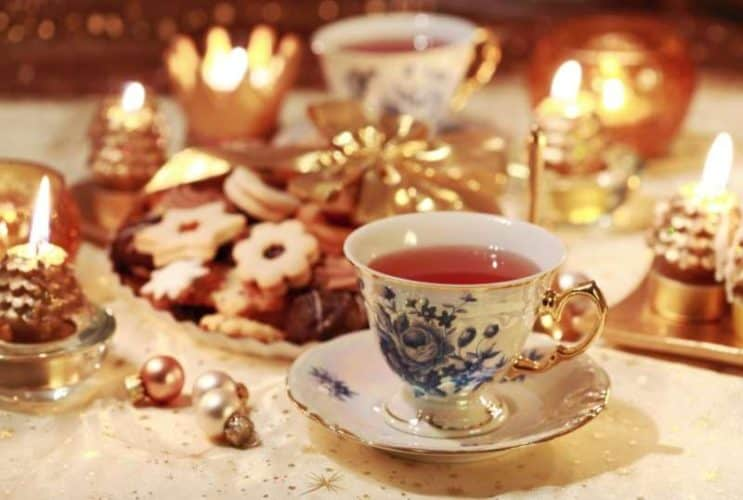 Holiday-Tea_80dc2a52-5056-b3a8-49629b851f49aef8