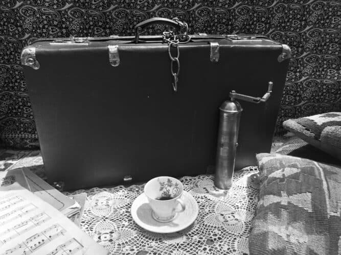 suitcase-landscape-BW