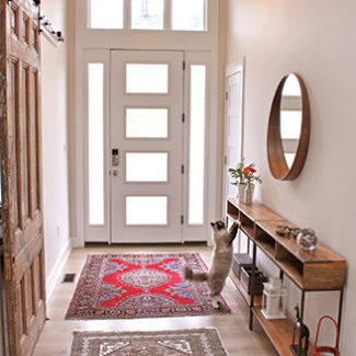 her-decor-entryway